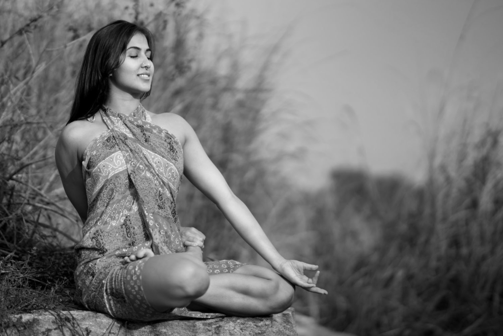 edit_yoga_BW